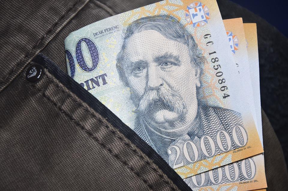 maďarské peníze